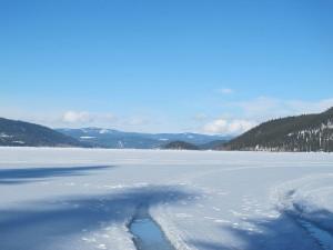 800px-Canim_Lake,_British_Columbia